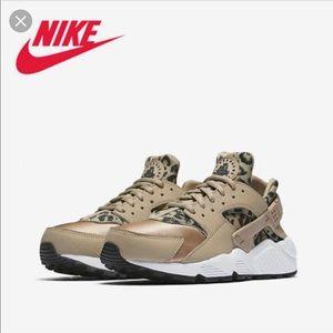 nike air huarache 6.5 leopard sneakers 37.5 run
